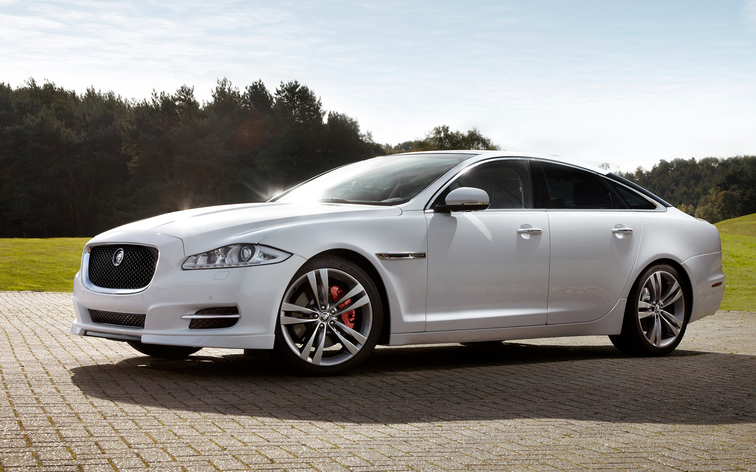 It builds most of its cars in its plants in the united kingdom, where manufacturers make sure each. Jaguar Xj Wallpapers Vehicles Hq Jaguar Xj Pictures 4k Wallpapers 2019
