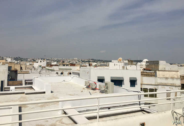 A rooftop view of the Tunis Medina. (VOA/Lisa Bryant)