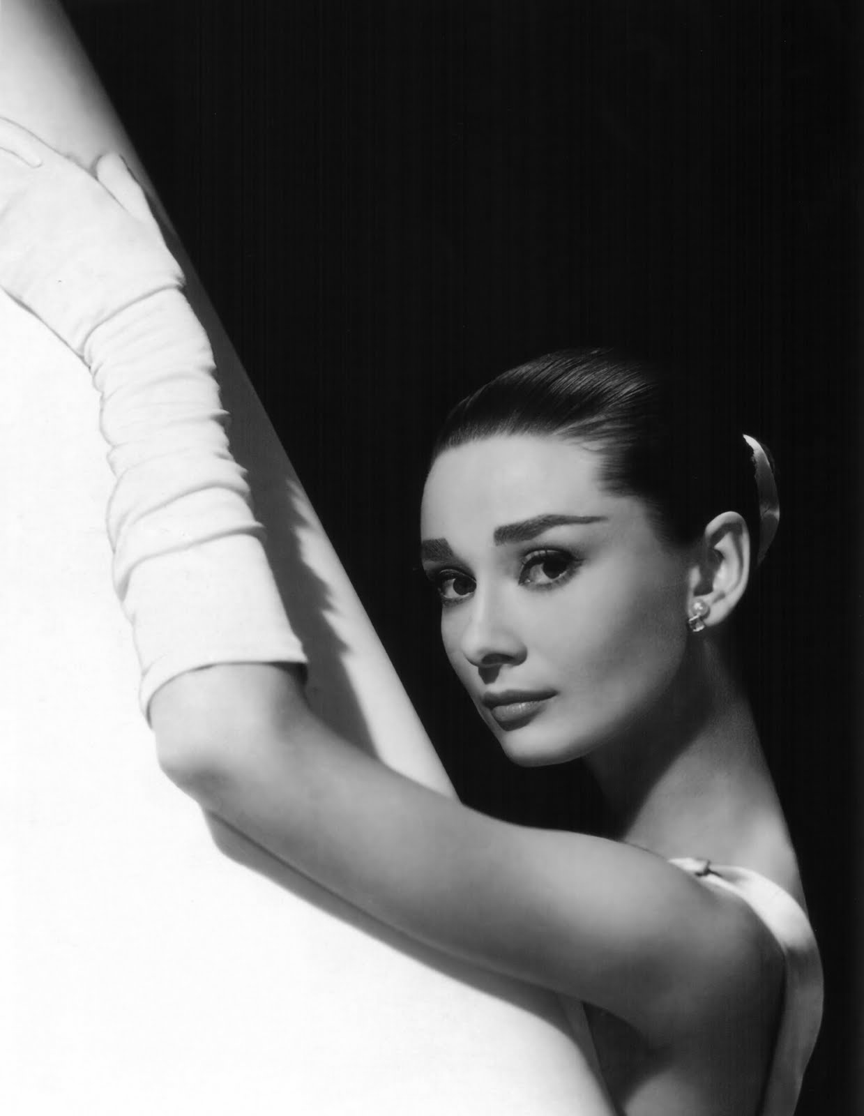 Best 50+ Audrey Hepburn Black And White Photo