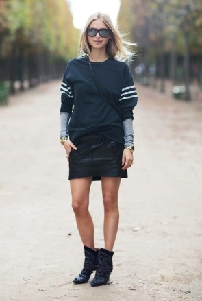 carolines-mode-Pernille-Teispaek-sweatshirt-with-leather-skirt