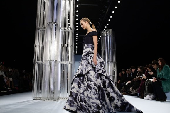 FASHION-US-CAROLINA HERRERA