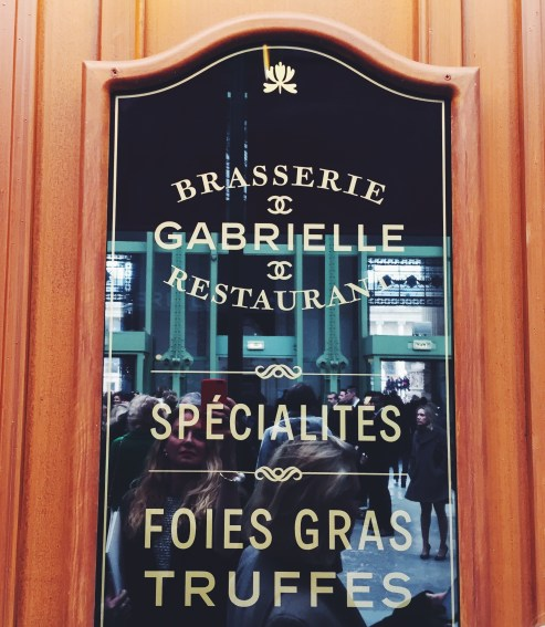 Brasserie Chanel Atmosphere| Chanel fall 2015 Paris show