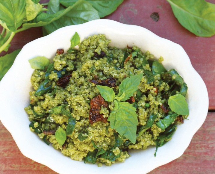 Quinoa with Sun-Dried Tomatoes and Superfood Pesto