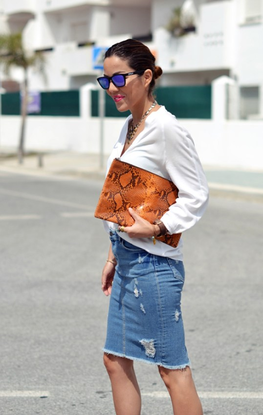 Le-Fashion-Blog-7-Ways-To-Style-A-Distressed-Denim-Skirt-Blogger-Con-Zapatos-Nuevos-5