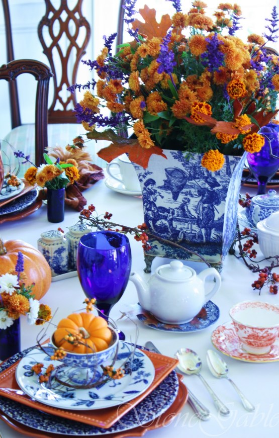 VT Home: How to set Holiday Table | Visual Therapy