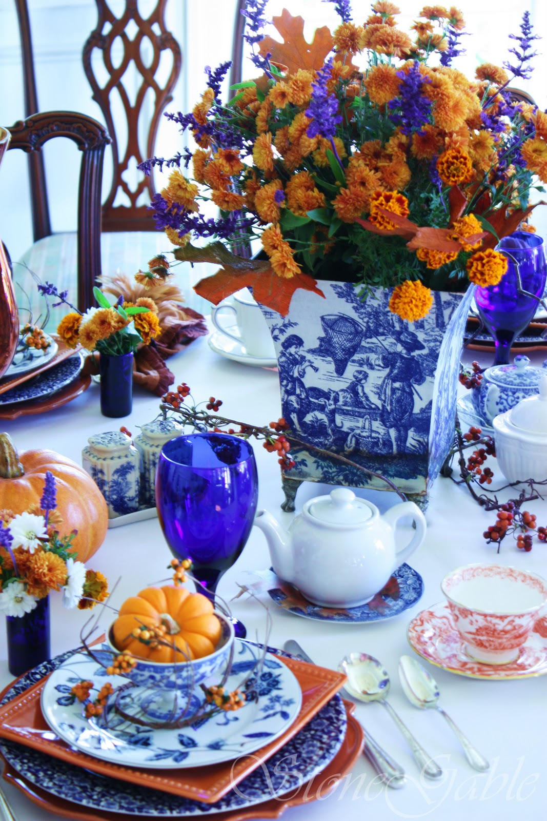Holiday table setting Thanksgiving | VT Home  sc 1 st  Visual Therapy & VT Home: How to set Holiday Table | Visual Therapy