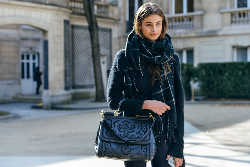 oversize scarf street style