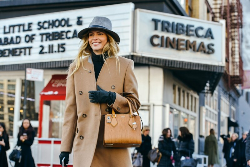 natasha-poly-streetstyle-new-york-fashion-week-camel-coat-winter-trends-fabulous-muses