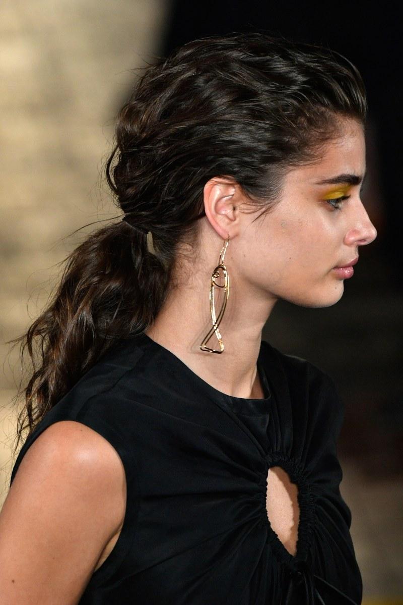 Statement earrings street style