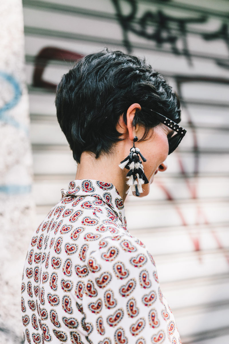 Statement earrings street style