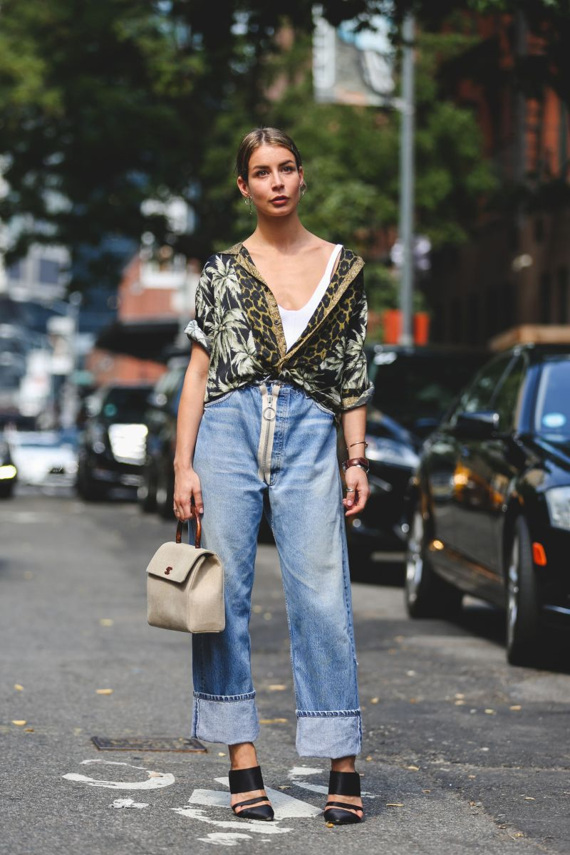 boho style type street style vintage jeans with vintage Hawaiian shirt and chanel bag