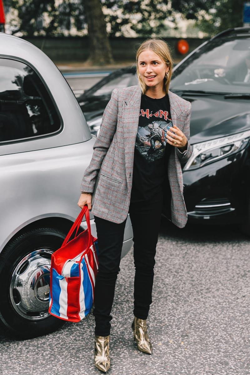 Pernille teisbaek in a boxy blazer