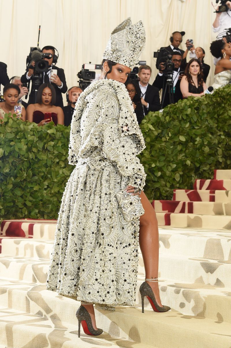 red carpet met gala best dressed 2018 rihanna