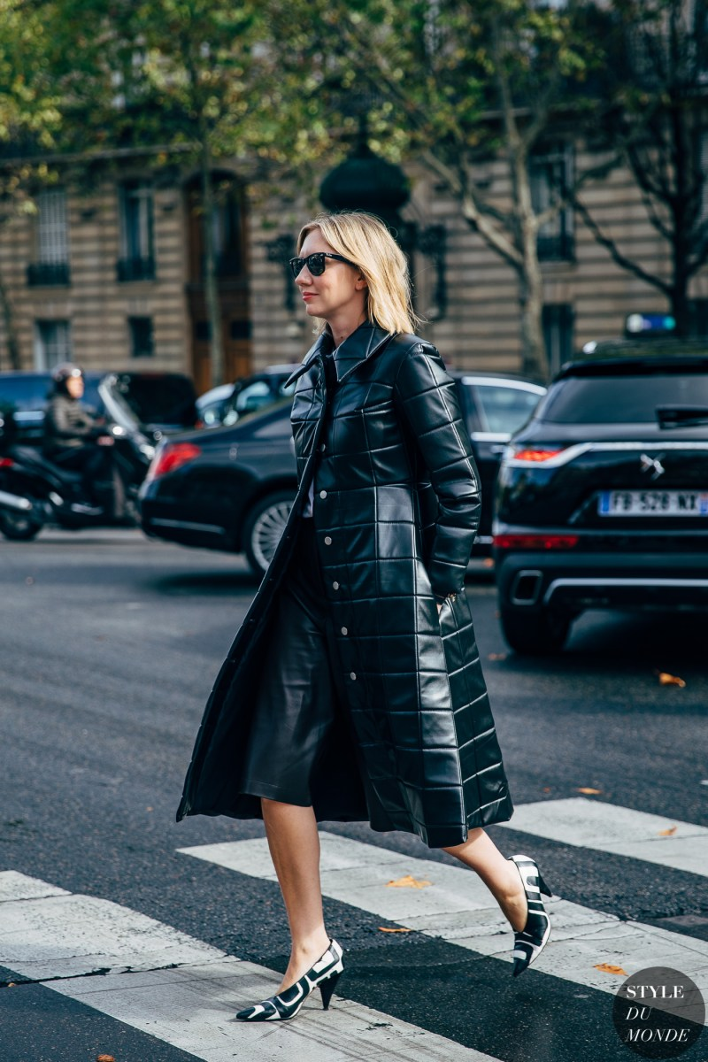 leather coat street style