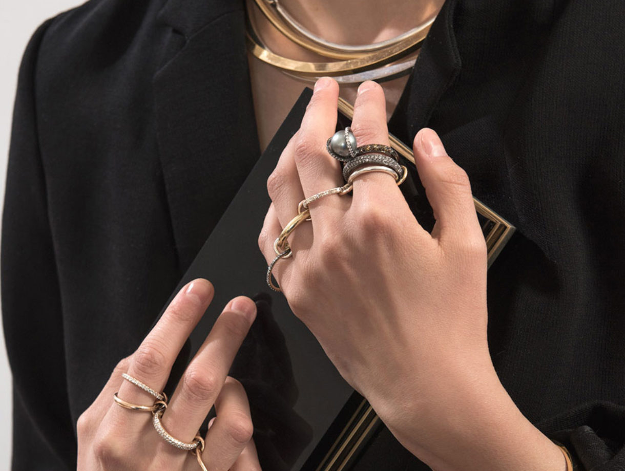 How to Layer Jewelry Like a Pro | Visual Therapy