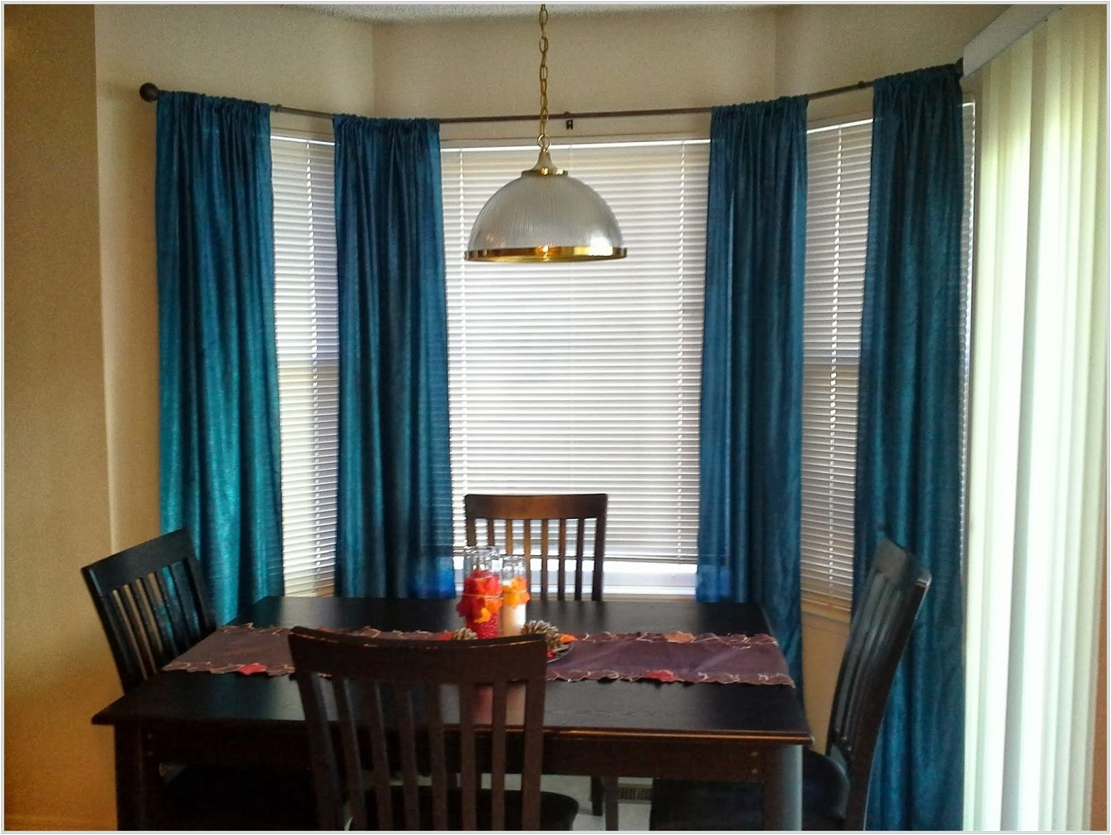 curtains for bay windows in dining room