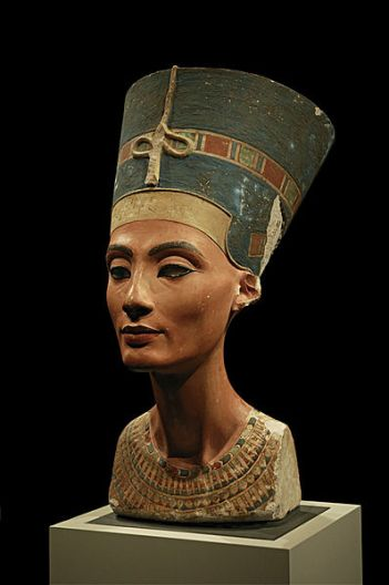 Bust of queen Nefertiti in the Neues Museum, Berlin