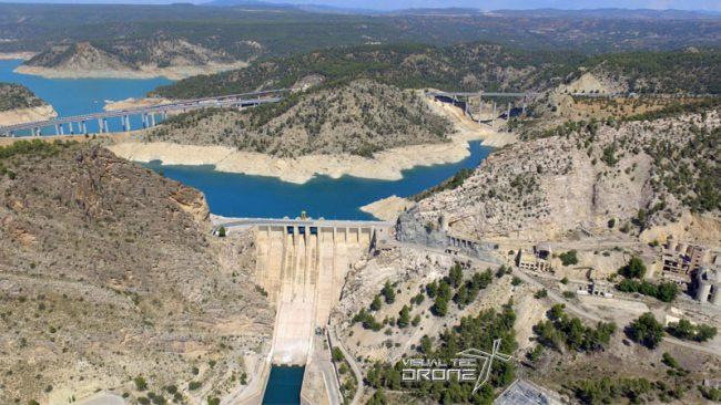 Control de volumen de agua de pantanos con drones
