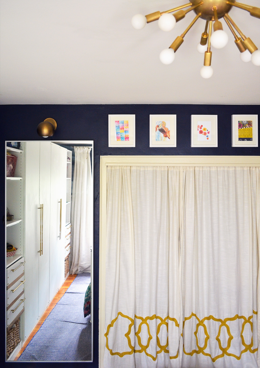 Mirror-and-Closet