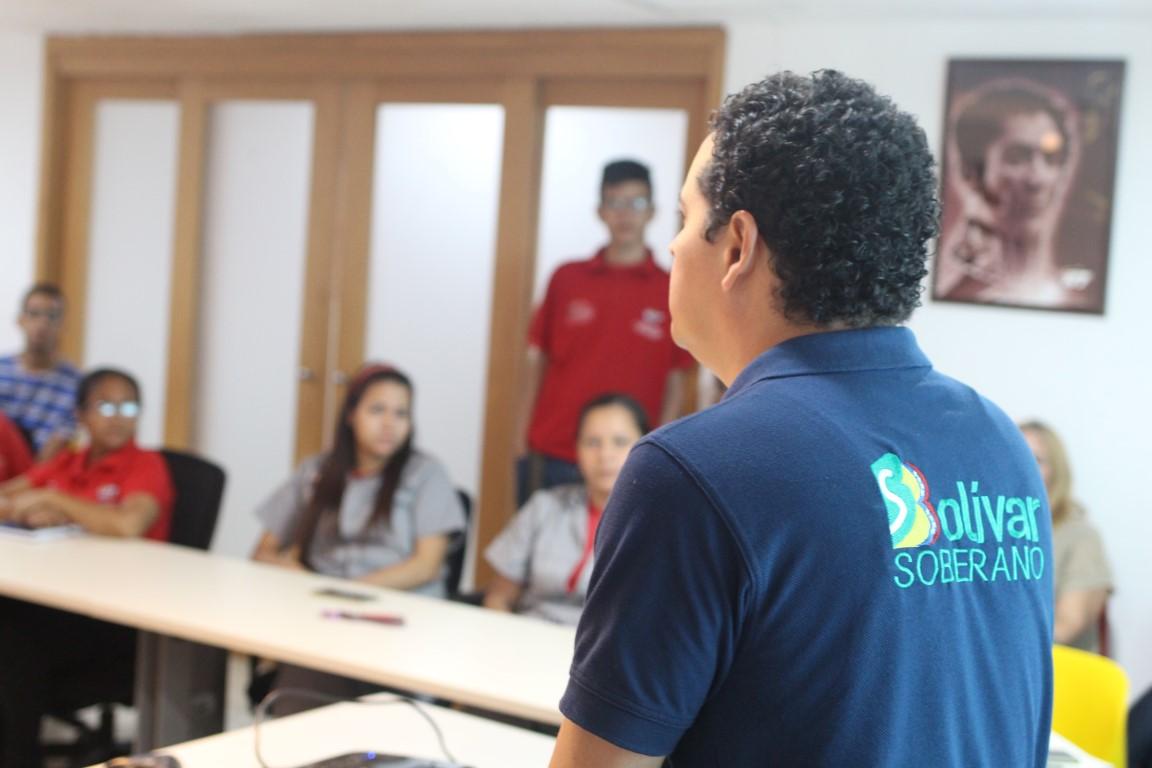 Trabajadores de VIT reciben taller sobre reconversión monetaria por el BCV
