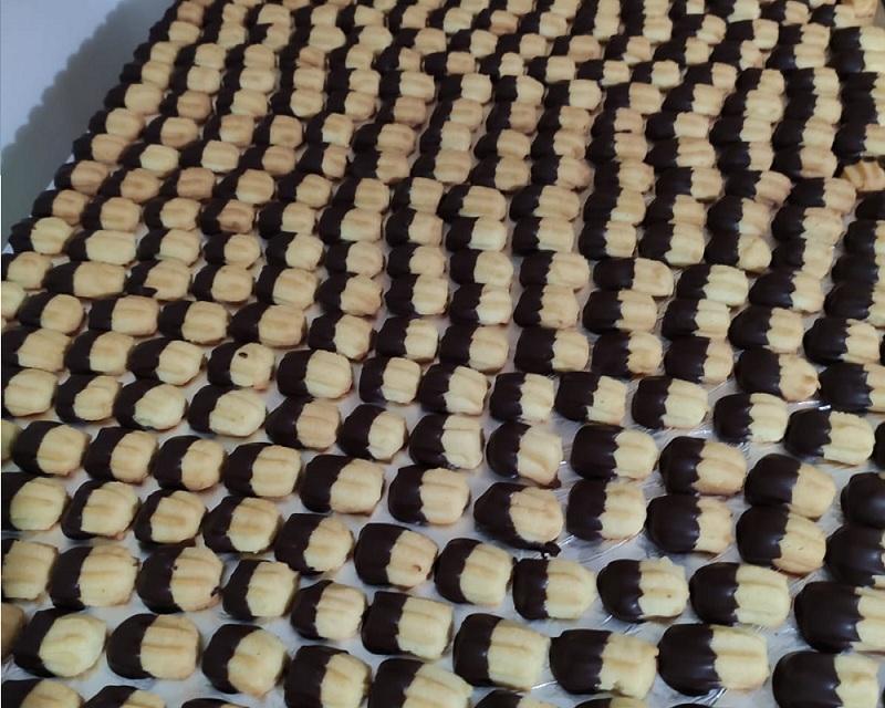 Biscotti di pasta Frolla bagnati al cioccolato