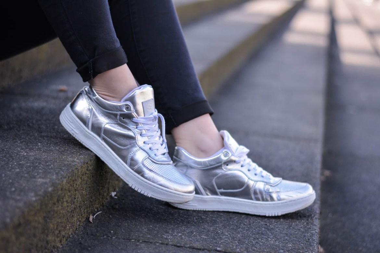 Outfit Metallic Trend Wie Kombiniere Ich Silberne Schuhe
