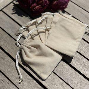 Small Gift Pouch (Cream Velvet)