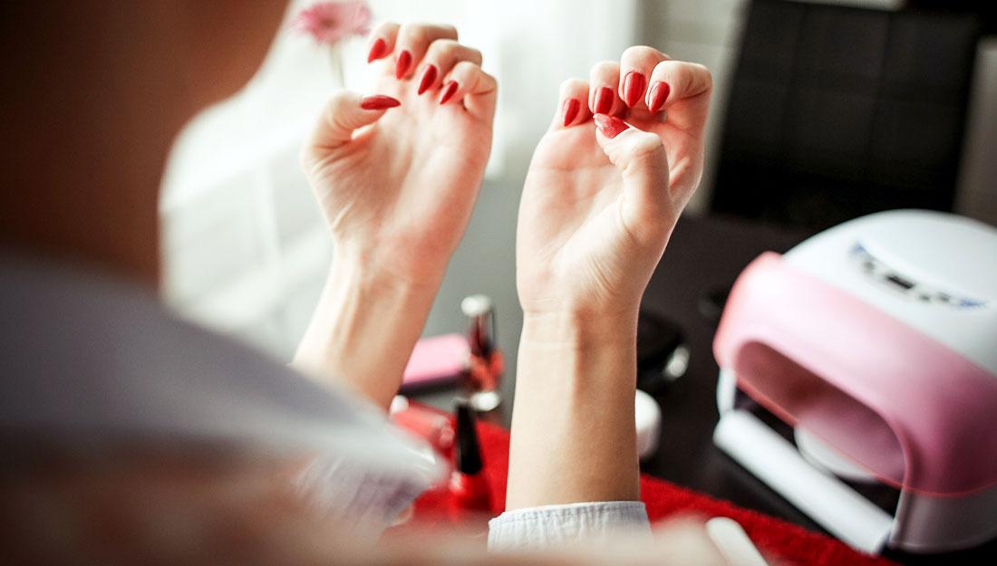 Top 5 health risks at nail salons - Vital Record