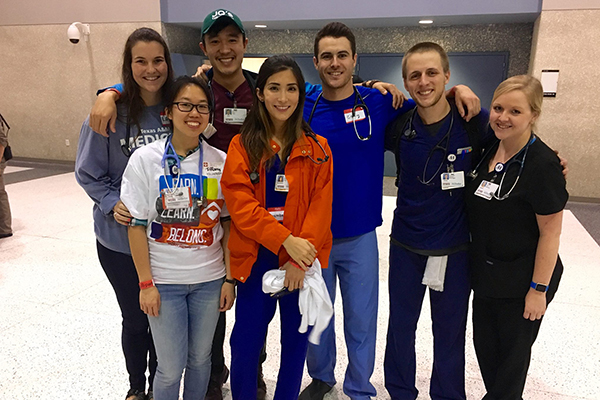 COM students serve in Houston