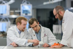 EnMed students examine 3D printed materials as both physicians and makers.