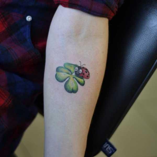 Четырехлистный клевер тату значение – Значение тату клевер ...