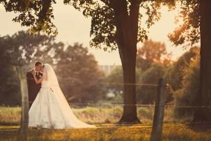 Best-Of Hochzeitsfotografie Brautpaar im Sonnenuntergang Hochzeitsfotograf in Frankfurt