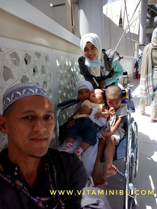 13 Tips Umrah Dengan Anak Kecil Dan Bayi - Kerusi Roda