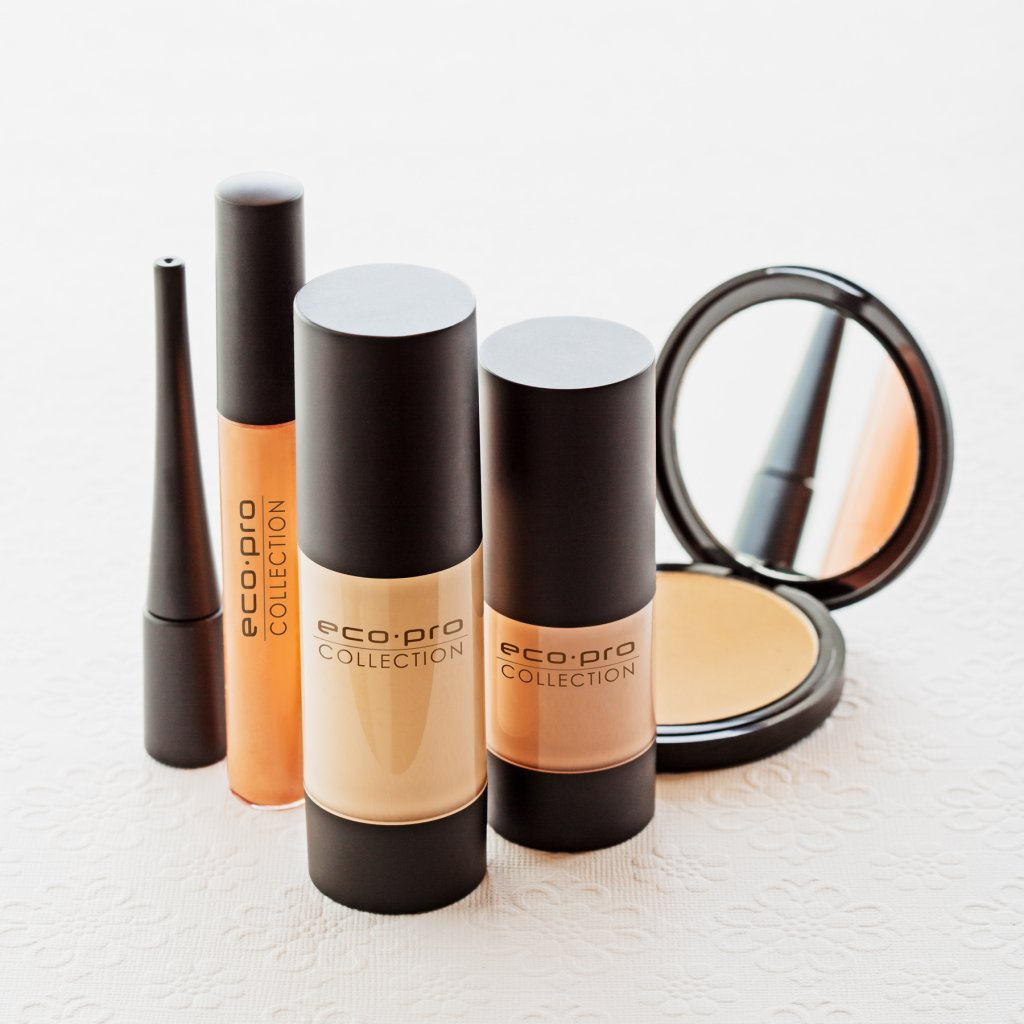 Vitelle Makeup