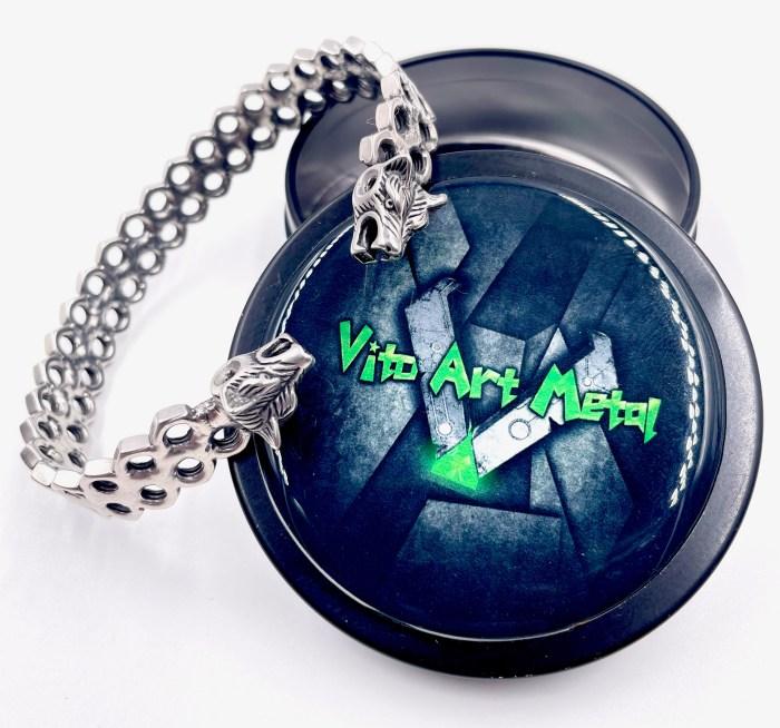 Bracelet jonc tête de Loup acier inoxydable Vito art Métal