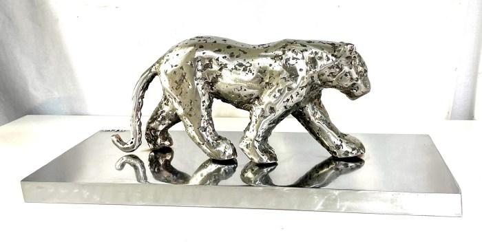 Sculpture Lionne en métal signé VITO