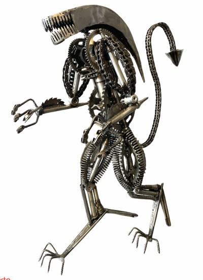 Sculpture métal Alien xénomorphe vitoartmétal