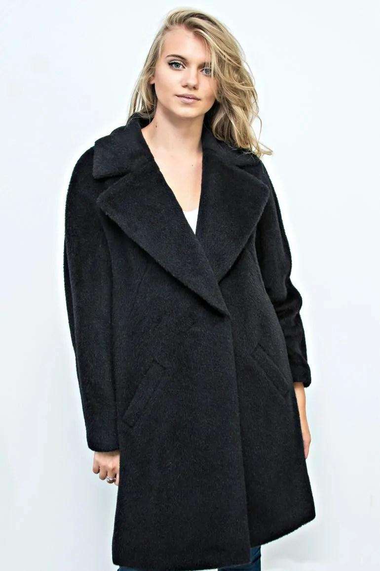 czarny płaszcz z wełny alpaki Vito Vergelis fason oversize