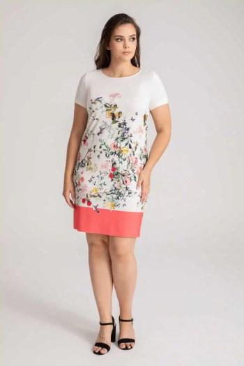 dzianinowa sukienka z nadrukiem w kwiatki marki Vito Vergelis