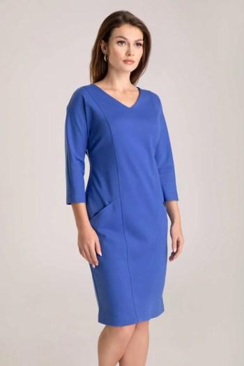 Niebieska dzianinowa sukienka z rękawem 3/4 i dekoltem w szpic polska marka Vito Vergelis