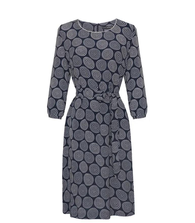 klasyczna sukienka z cupro i wiskozy przewiązana paskiem. Sukienka marki Vito Vergelis