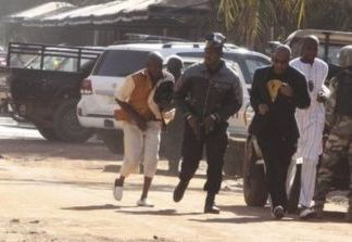 mali_hotel_attack_people_fleeing