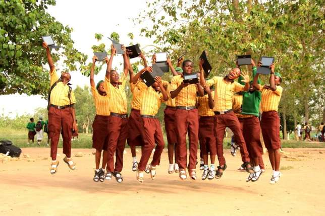 Osun-State-Senior-Secondary-School-with-their-tables
