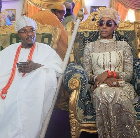 Omo, Oba Akanbi's Queen is hawt oh....Shebi you know she's Jamaican. ..you didn't? Well, now you know