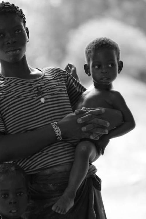 Toddler-and-a-Baby-on-the-Hip-Images-Out-of-Africa