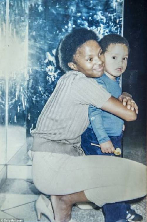 loving_trevor_noah_with_his_mother_patricia_the_three_year_old