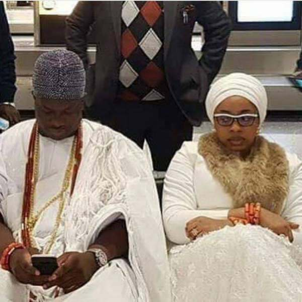 Olori side eye Ooni of Ife phone