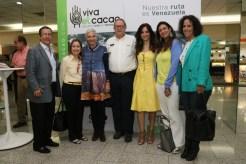Bella foto junto a Fernando Ayala, Rossana Di Turi, María Fernanda Di Giacobbe, Jorge Redmond, Liliana Elías, Ligia Velasquez y Adriana Gibbs