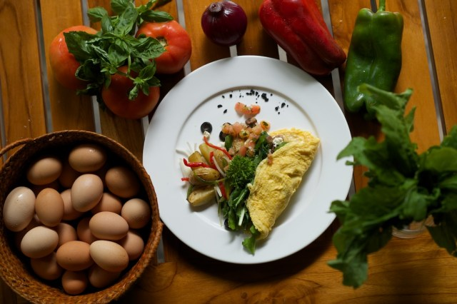 Arugula Omelette with Ingredients