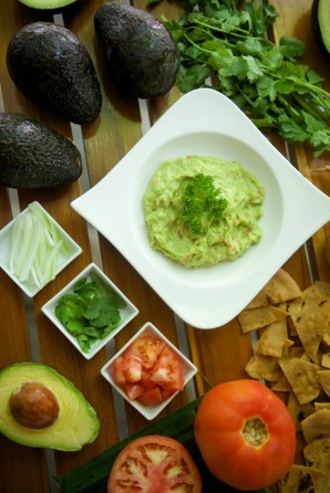 Guacamole with Fresh Ingredients